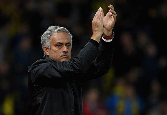 HLV Mourinho sẽ buông League Cup
